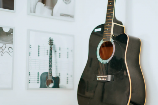 akustinen kitara