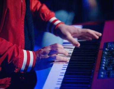 soinnut pianolla
